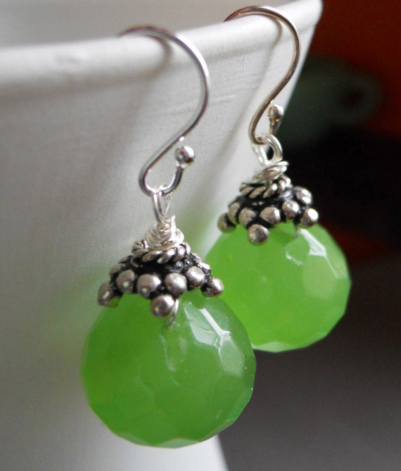 Lime green earrings, with this lime who needs a coconut...