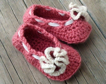 Download Now - CROCHET PATTERN Ruffle Flower Baby Shoes - 0-12 mos - Pattern PDF