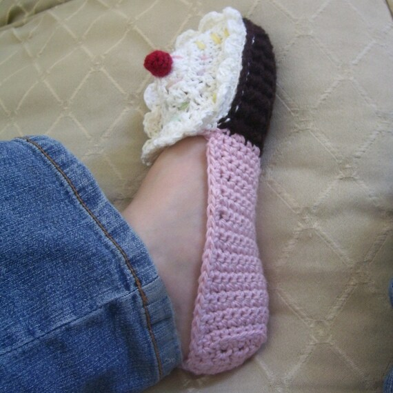 Download Now - CROCHET PATTERN Ladies Cupcake Slippers - Pattern PDF