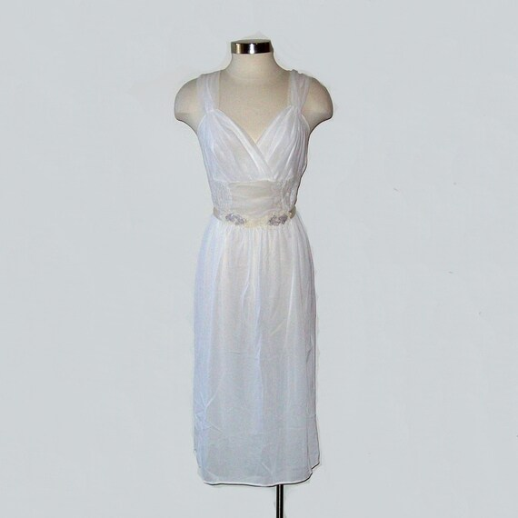 Vintage 50s INNOCENCE White Full Length Nightgown Size Medium