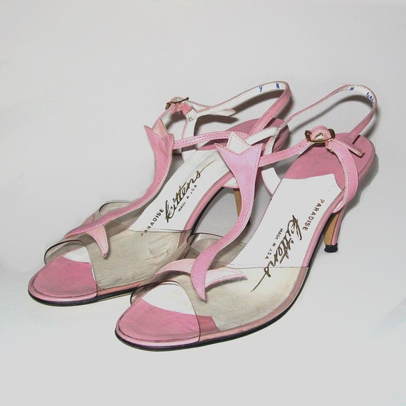 Vintage 50s Floral Pink T-Strap Sandals Size 9 Narrow by Paradise Kittens