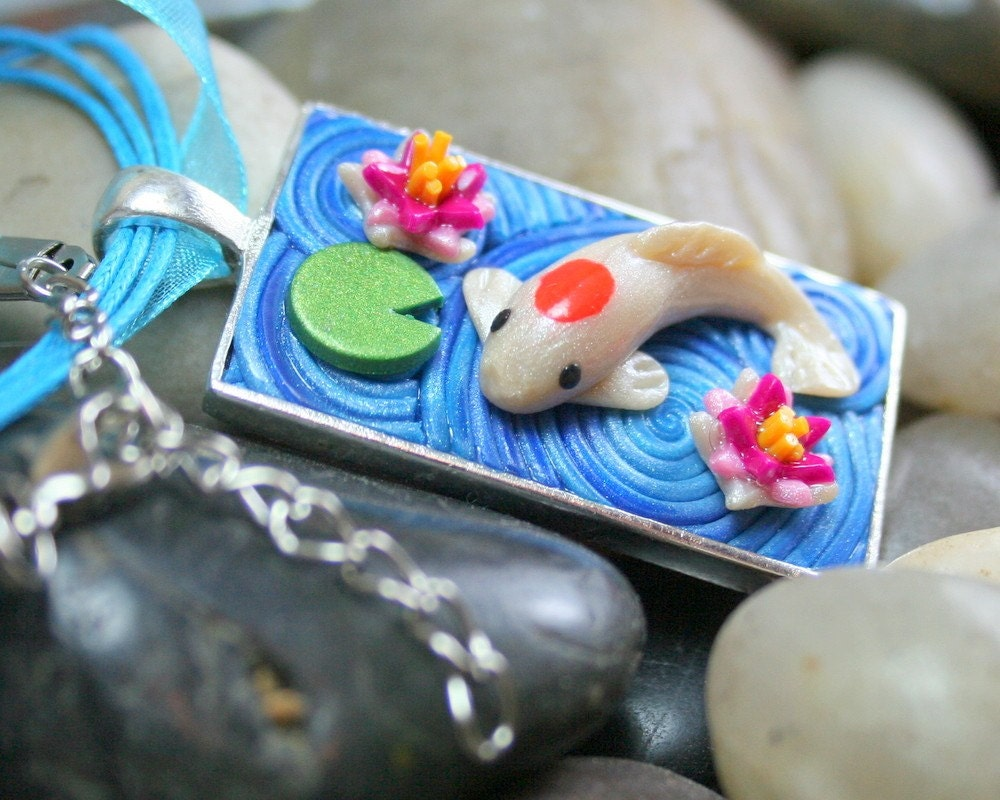 Mini koi pond pendant with water lilies in polymer clay 21 for Blue ribbon koi