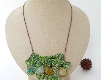 Emerald dream V necklace, mixed media peyote stitch necklace, beadwork, green beads, statement, Coachella, bohemian, romantic