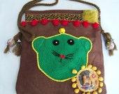 Bag over the shoulder with recycled repurposed vintage accesories