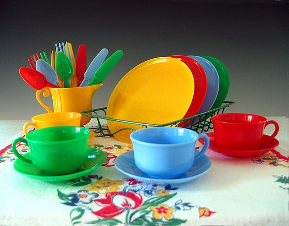 Vintage childs dish set plastic toy dishes play tea