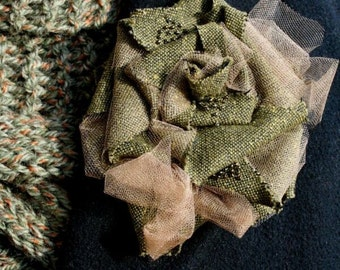 BROOCH PIN in moss green tweed fall autumn
