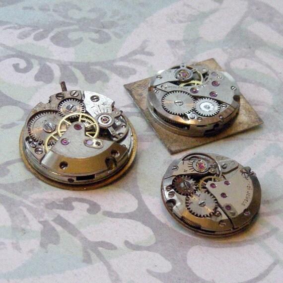 Three Vintage Watch Movements  (WPM2727)