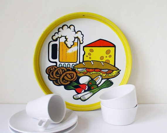 Kitchen tray with illustrated snack food