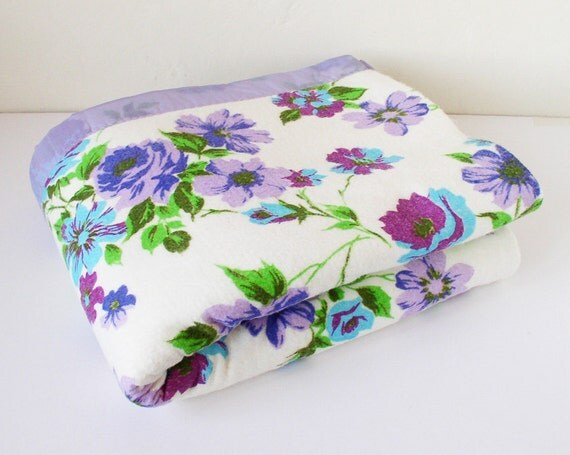 Rose pattern acrylic blanket, bed spread, throw