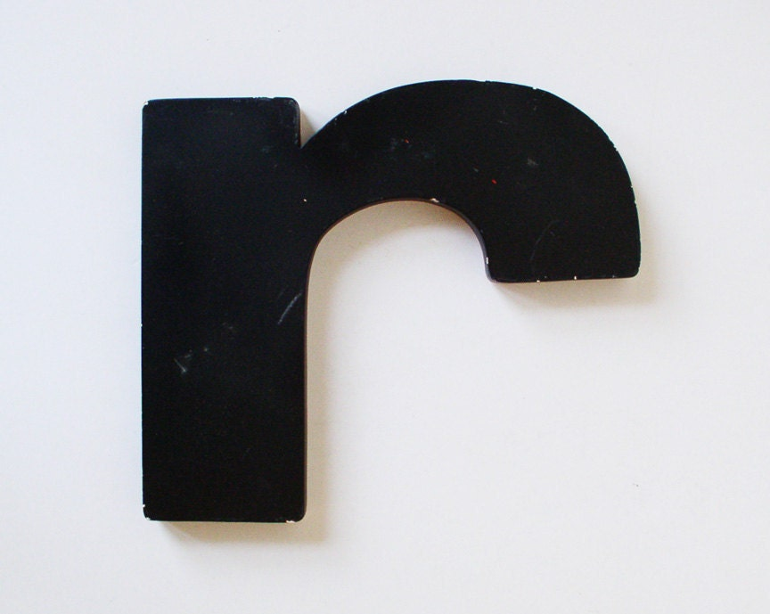 large lowercase letter r