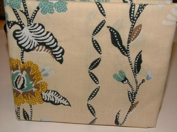 "Vintage Sheet Fabric - fat quarter ""Dottie Marie"""