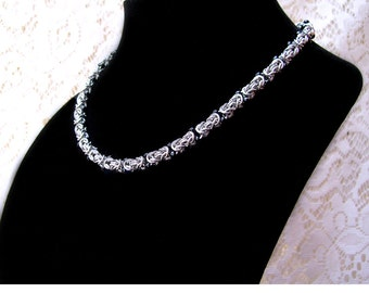 Byzantine Chainmaille Necklace with Black Beads, beaded chainmaille, beaded chainmail, chainmaille with beads