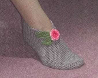 World's Easiest Crocheted Slippers Pattern