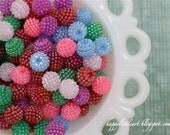 A Beautiful set of 30 Berry Beads Mixed Colors 15mm