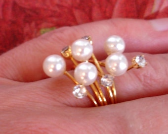 vintage floral burst of rhinestones and pearls cocktail ring