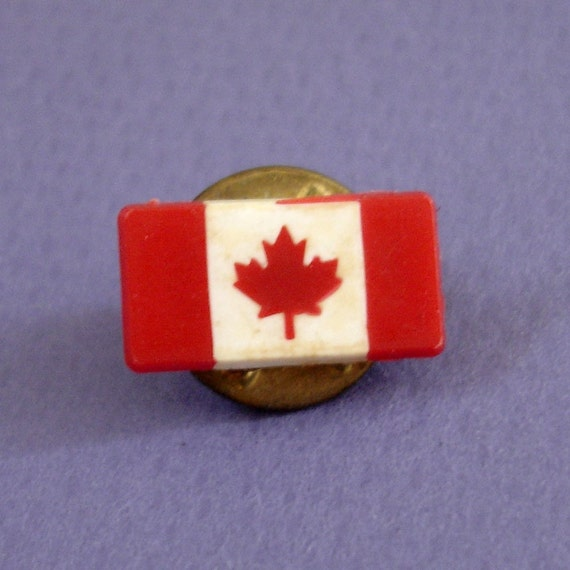 Vintage Canadian Flag Lapel Pin