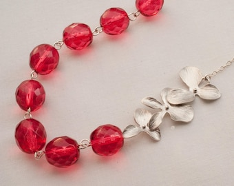 Triple Flower Necklace and Earring Set With Glass Beads