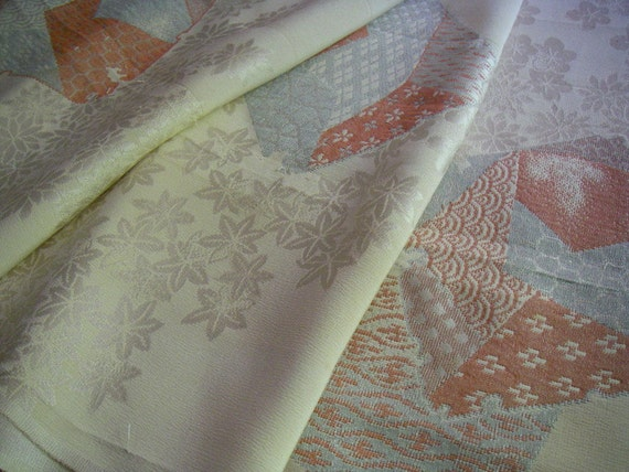Vintage silk Japanese kimono fabric (flowers and embroidery)