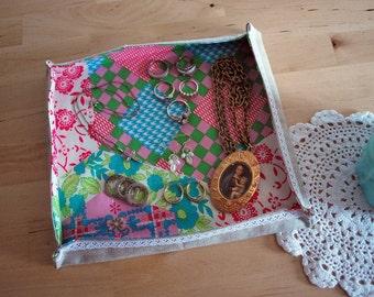 Zakka fabric tray- fabric basket --Linen, lace and patchwork