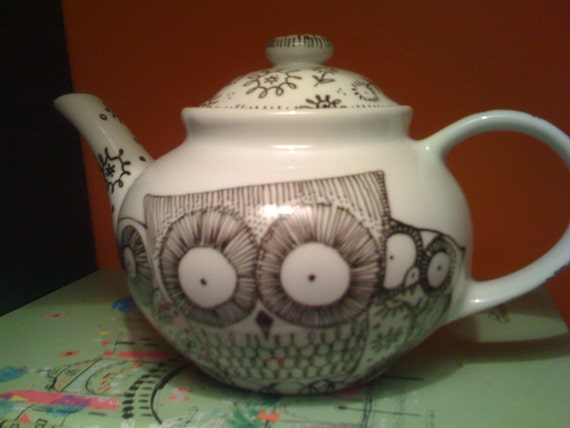 Owl And Floral Black And White Teapot
