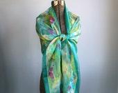 25% off barn sale Vintage 1980s SEASIDE COCKTAILS wrap. Oversized summer scarf or shawl.