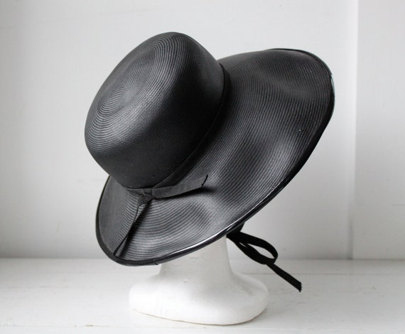 vintage 1960s black wide brim hat / woven and patent, mod high fashion / the GARDEN LUNCH hat