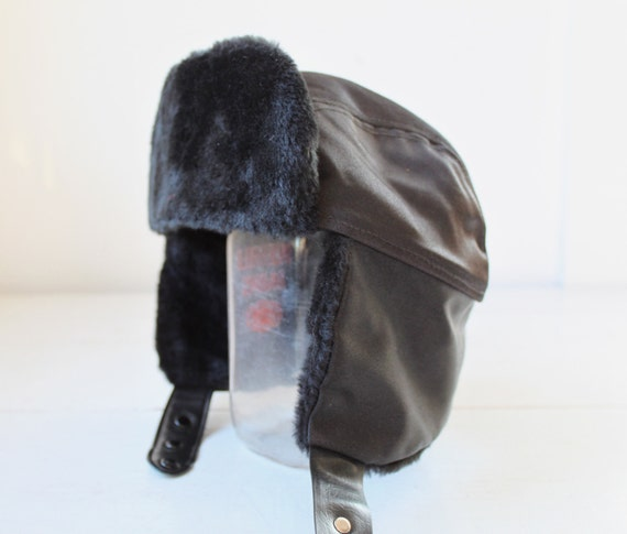 vintage 1970s bomber hat with ear flaps. retro Cousin Eddie trapper hat / autumn cap  / the SHORTSTACK hat
