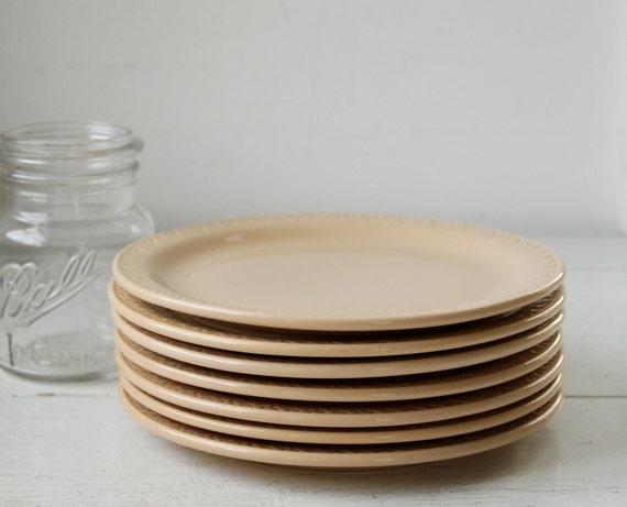 set of 7 vintage 1950s restaurant ware plates. Shenango Inca Ware. Tan. / the LUNCH RUSH plates