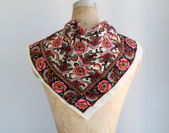 vintage 1970s challis scarf. Multi floral paisley in pink, white, black. Autumn accessories / the RHUBARB COBBLER shawl