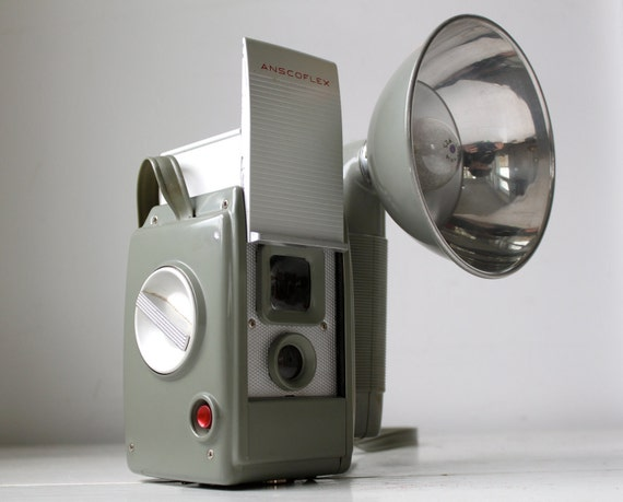 Vintage 1950s Anscoflex camera. Complete set. TTV 620/120. Mid century modern industrial design. Great working condition.