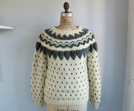 vintage 1980s fair isle sweater. Handmade in chunky, textured oatmeal and forest wool / med - large / the MAINE BREAKFAST sweater