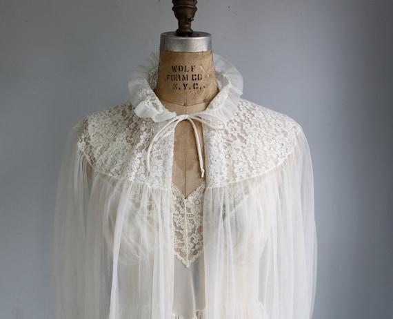 vintage 1950s peignoir set. Size 34. Ivory white Van Raalte. Robe and negligee. Bridal, wedding  / the VANILLA SPICE lingerie set