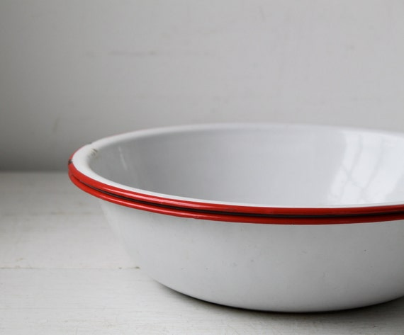 set of 2 vintage enamel bowls. 1930s. red rims. farmhouse rustic / the STRAWBERRY HARVEST enamelware set