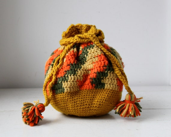 Sale / vintage 1970s crochet purse in melon, mustard and olive / the retro hippie SUCCOTASH knit bag