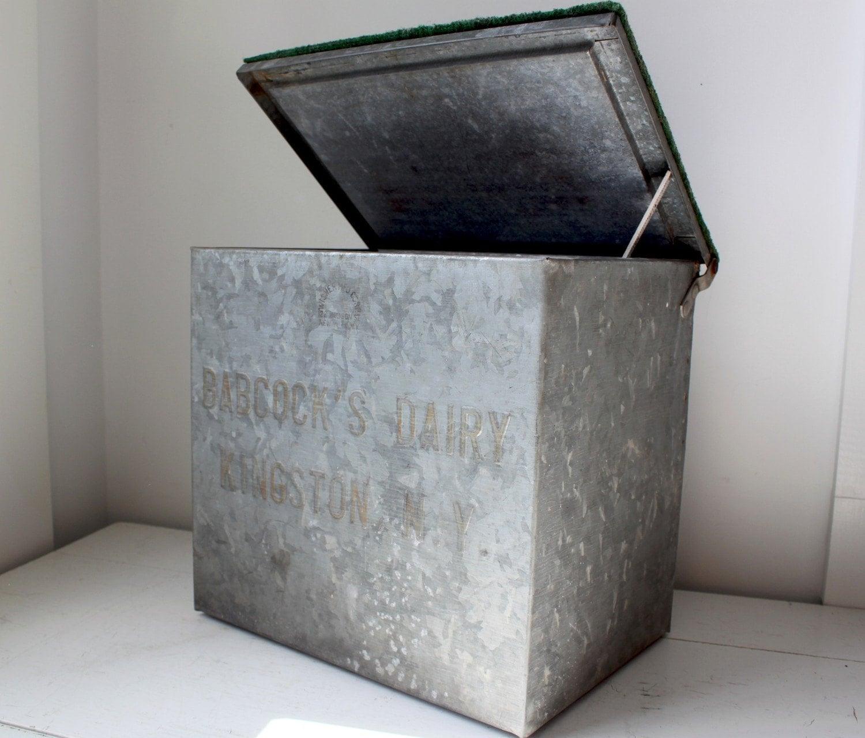 vintage 1950s galvanized milk bottle box rural industrial. Black Bedroom Furniture Sets. Home Design Ideas