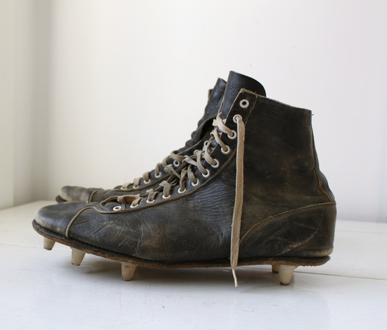 Vintage 1940s Football Cleats By Magnus 11 5