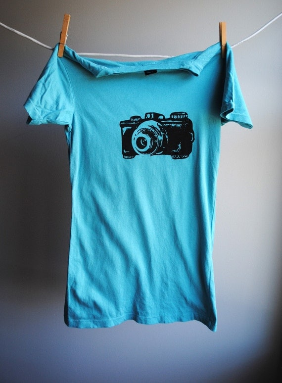 Vintage camera t shirt peacock blue with black screen print for Vintage screen print t shirts