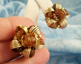 Vintage 60s Golden Coil Wrapped Amber Root Beer Beads Cluster Clip on Earrings