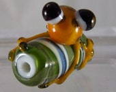 Orange Spotted Frog on a Green Swirl Bead