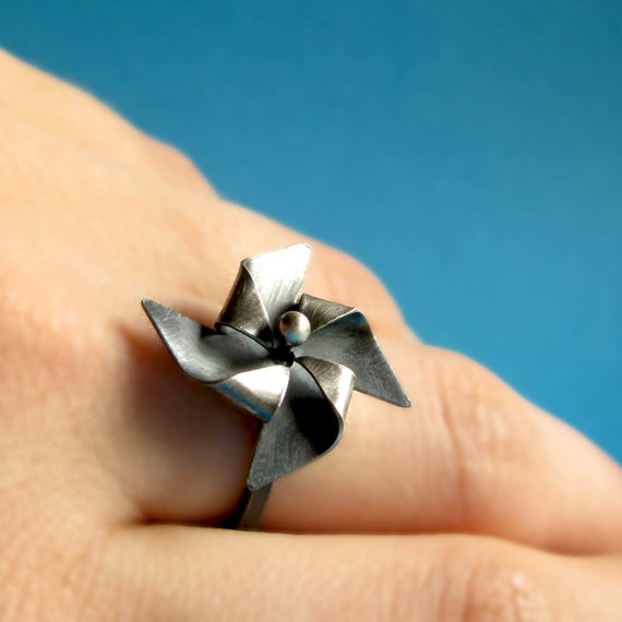 Sterling Silver Pinwheel Ring - Free Worldwide Shipping