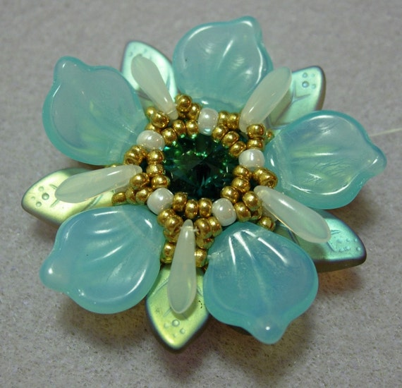 Celestial Flower pendant - Exclusively Pdf Beading Tutorial for personal use only
