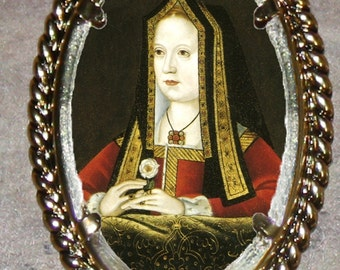 Tudor Queen Elizabeth of York Frame Pendant