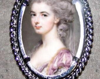 Rococo beauty Frame Pendant