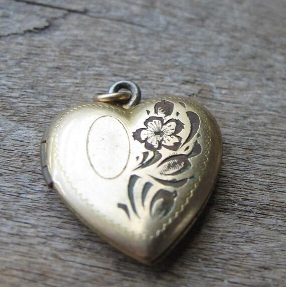 REDUCED -   vintage Etched Heart Locket 1940s antique locket
