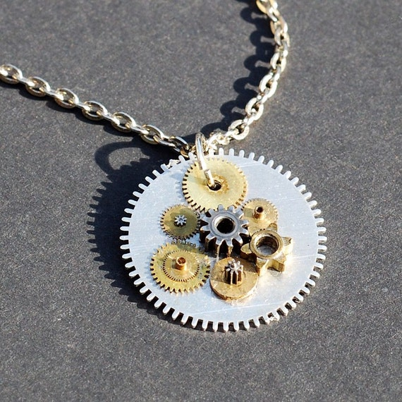 steampunk jewelry- small gears pendant