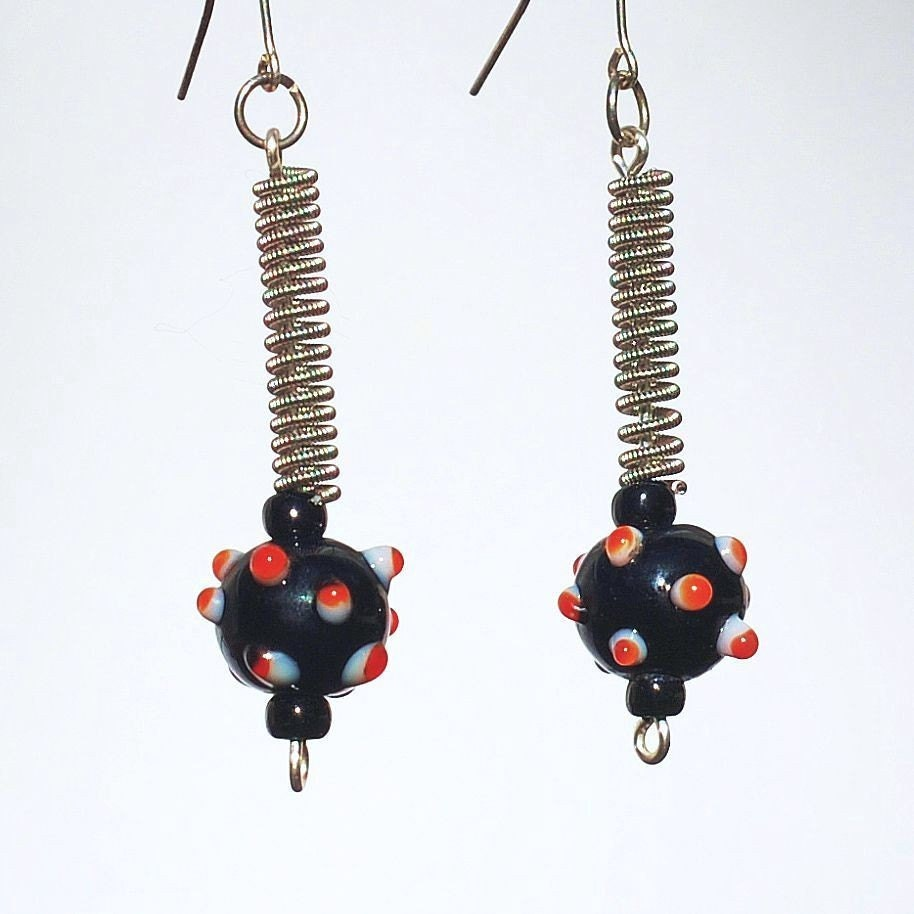guitar string jewelry red and black bead earrings silver. Black Bedroom Furniture Sets. Home Design Ideas