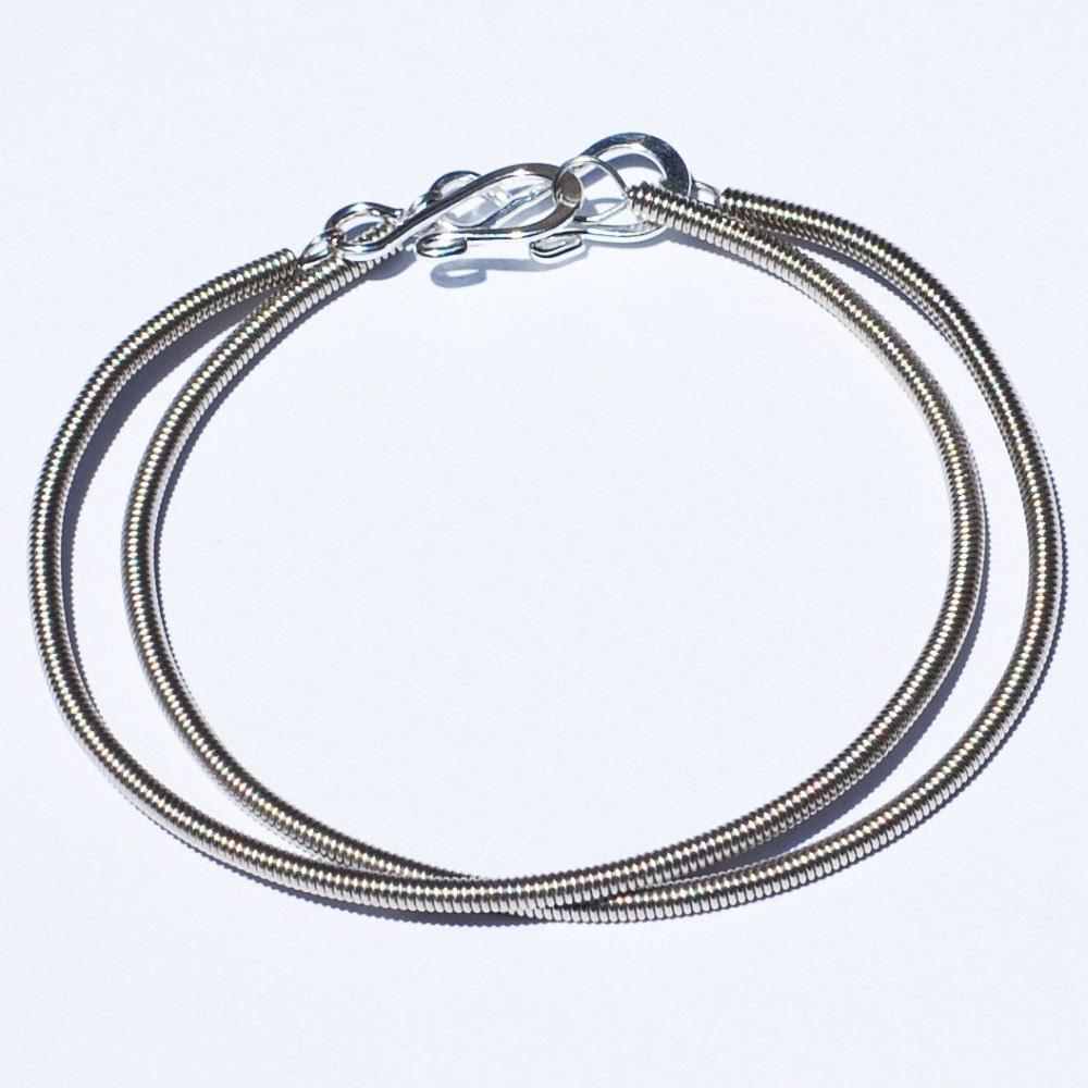 guitar string bracelets 2 bass string bracelets. Black Bedroom Furniture Sets. Home Design Ideas
