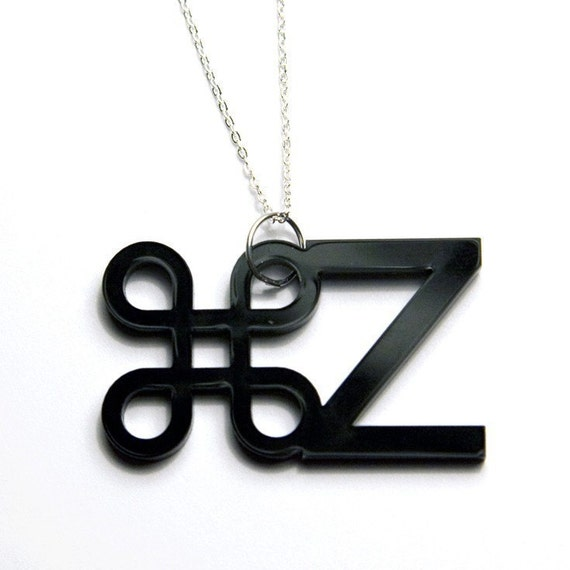 apple / ctrl-z / undo acrylic necklace (black)