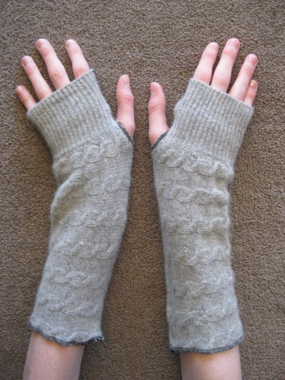 Upcycled Fingerless Arm Warmers Cable Light Grey