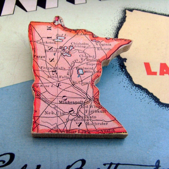 MINNESOTA Brooch - Lapel Pin / Upcycled Antique 1915 Wood Jigsaw Puzzle Map Piece / Wearable History Pin  / Light Red Brooch / OOAK
